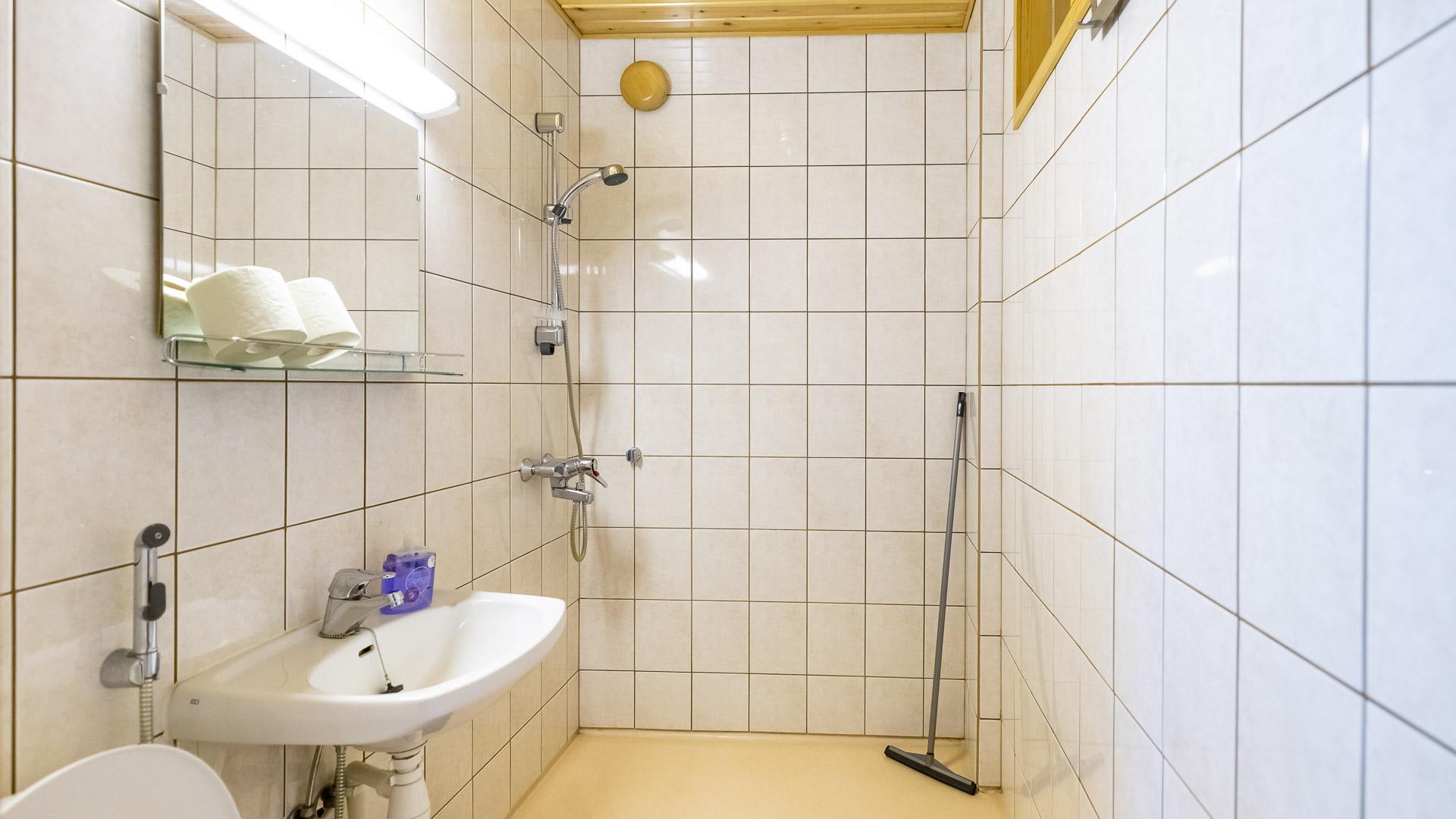 Hostelli Kuninkaanlähde Kuninkaan Tupa WC