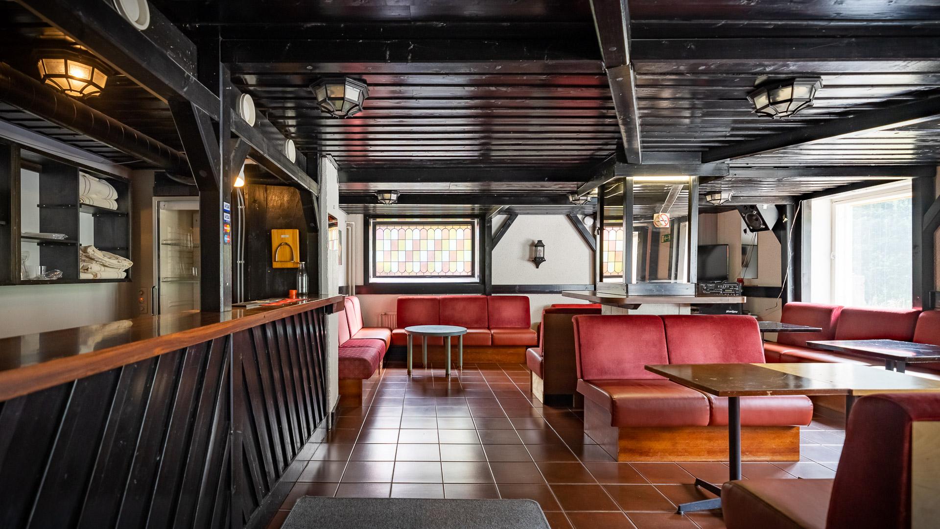 Hostelli Kuninkaanlähde Pub