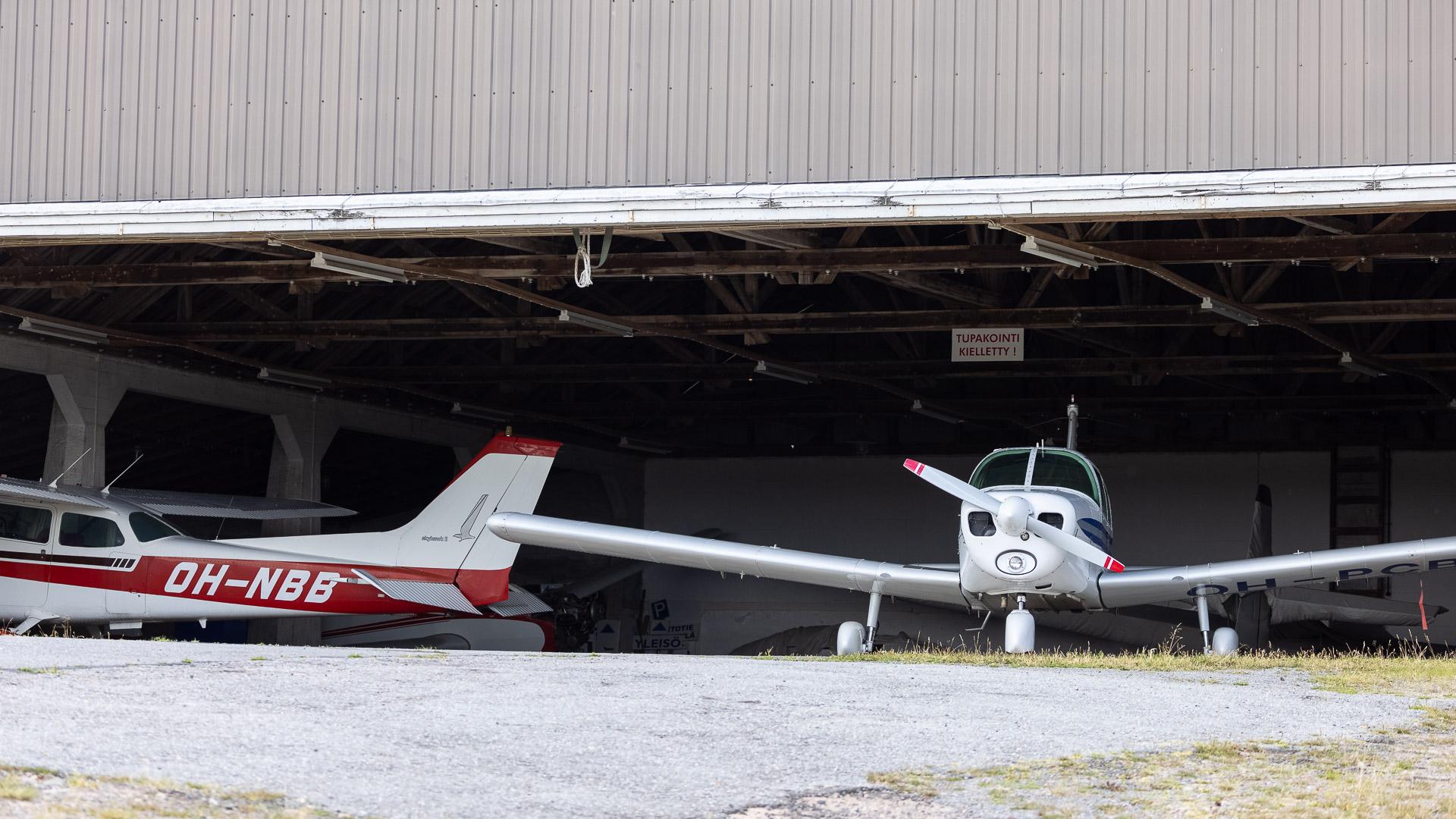 Lentotoimintaa Jämillä hangar